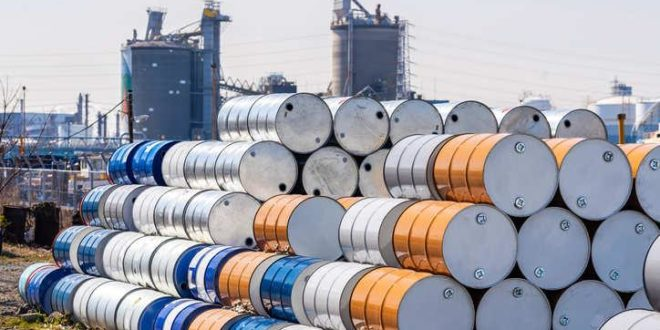 Дунёда нефть саклашга жойлар деярли колмагани маълум килинди